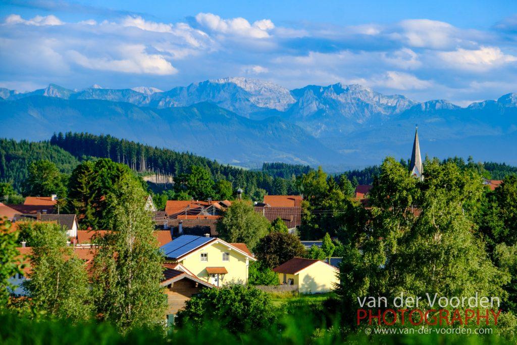 Blick auf die Alpen vom Gasthaus Fichtl in Burggen