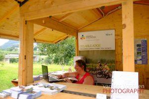 Tourist-Info-Stand am Radweg